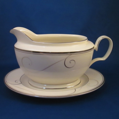 Noritake Platinum Wave gravy boat with underplate